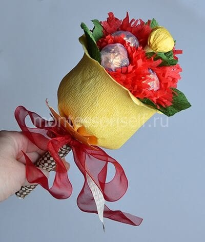 Осенний букет из конфет в подарок на День Учителя
