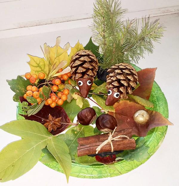 Осенняя композиция из природных материалов в школу