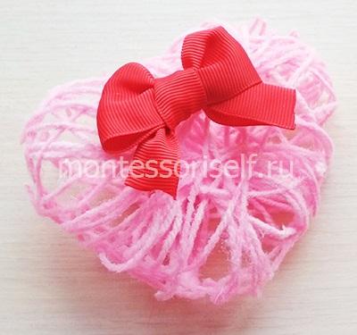 Сердечко-валентинка из ниток