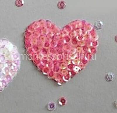 We cover with paillettes all the heart
