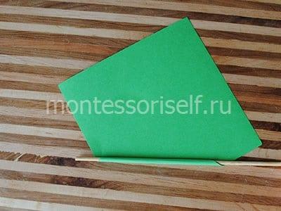 Оборачиваем зеленой бумагой