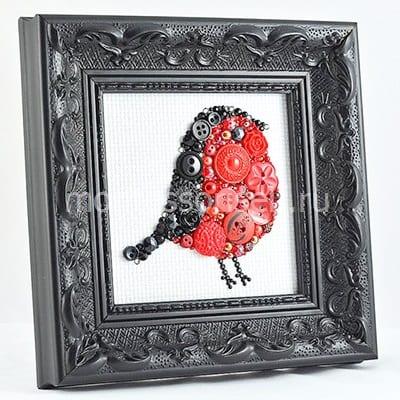 """Картина из пуговиц """"Птичка в рамочке"""" на холсте"""
