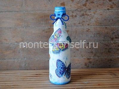Бутылочка, украшенная в технике декупаж