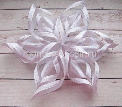 Объемная снежинка из белой бумаги