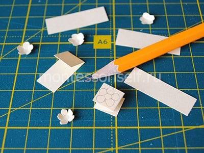 Вырезаем бумажные цветочки