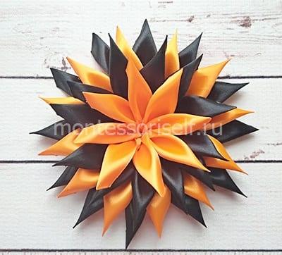 Серединка из оранжевых лепестков
