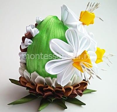Яйцо из лент канзаши - 4