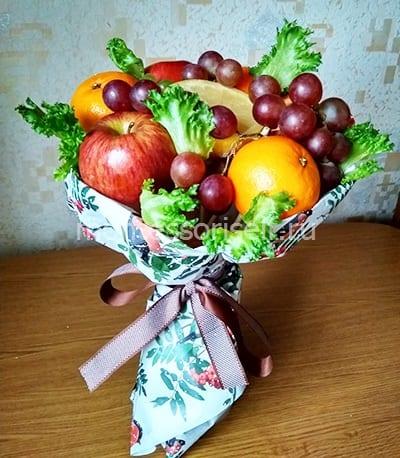Осенний букет из фруктов