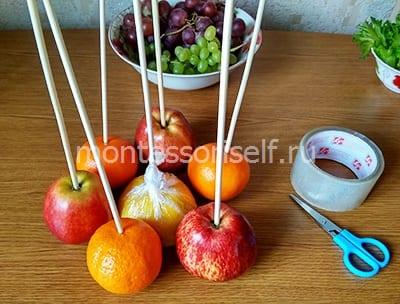 Основа букета из фруктов