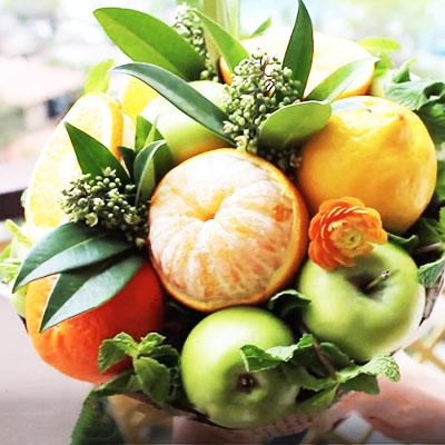 Букет из цитрусовых и яблок