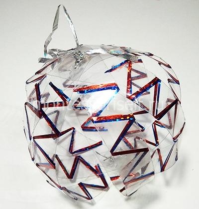 Новогодний шар из пластиковой бутылки