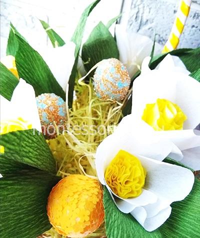 Пасхальная корзинка с яйцами и цветами 5