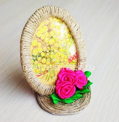 Яичко из джута с цветами