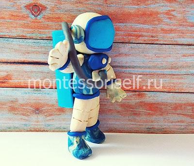Космонавт из пластилина 3