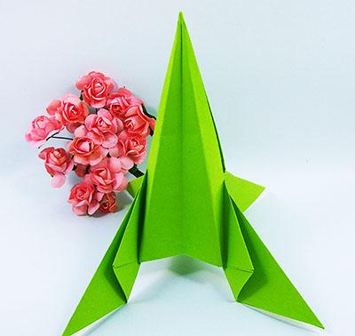 Ракета-оригами на День Космонавтики из бумаги