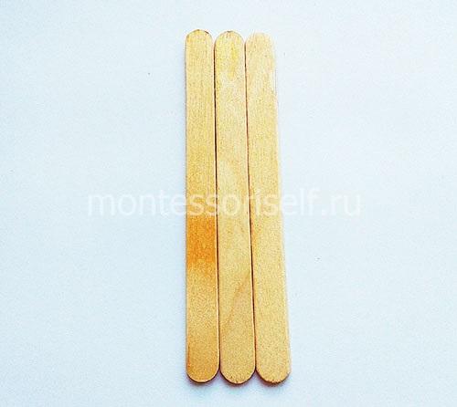 Вставляем палочки в конфеты